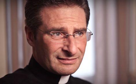 Krzysztof Charamsa pracował przed suspensą w Watykanie