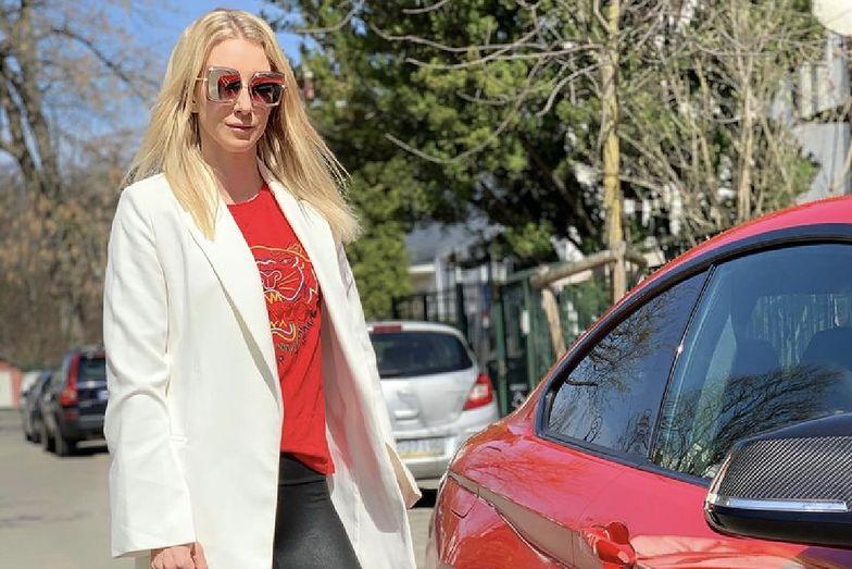 Młodsza z sióstr Radwańskich kocha szybkość. Cena jej auta? Zwala z nóg