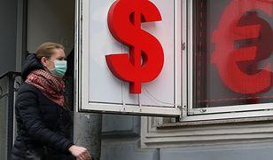 Kursy walut NBP 24.04.2020 Piątkowy kurs euro, funta, dolara i franka szwajcarskiego
