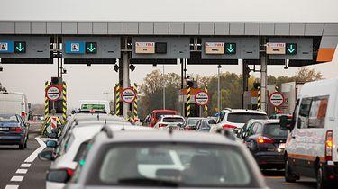 Z autostrad znikną bramki. Opłaty uiścimy z pomocą aplikacji - Zmienią się zasady poboru opłat.
