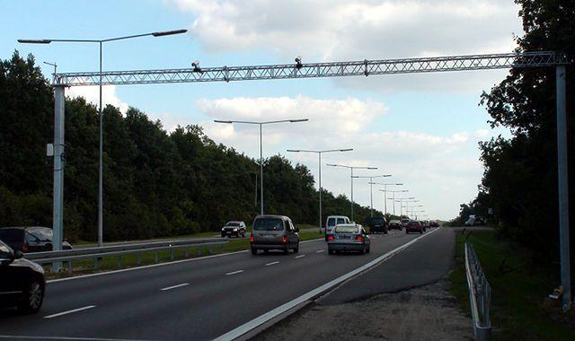 Co potrafią setki kamer przy polskich drogach?