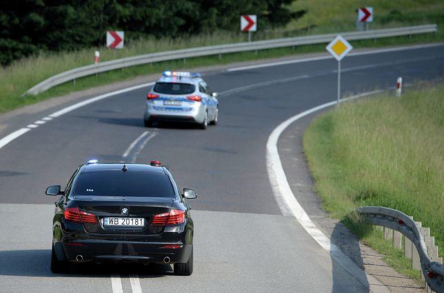Kolizja z udziałem samochodu SOP (zdjęcie ilustracyjne)