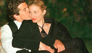 Carolyn Bessette-Kennedy i John F. Kennedy Jr. zginęli w wypadku 21 lat temu
