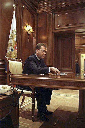 Miedwiediew: walka z kryzysem jest jak II wojna światowa