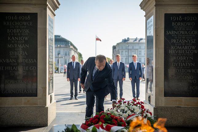 15 sierpnia. Defilada 2019 w Katowicach. Grzegorz Schetyna krytykuje rząd