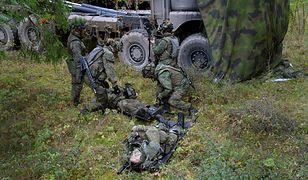 Fińscy żołnierze podczas ćwiczeń na poligonie w Szwecji