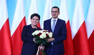 Beata Szydło najczęściej sama publikuje wpisy