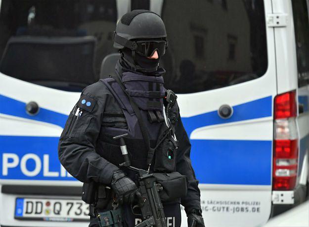 """Członek organizacji """"Obywatele Rzeszy"""" ranił czterech policjantów. Strzały w Georgensgmuend"""