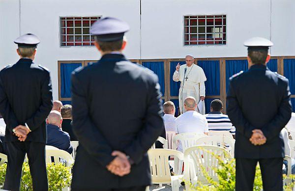 Papież Franciszek pocieszał mężczyznę, któremu mafia zamordowała syna