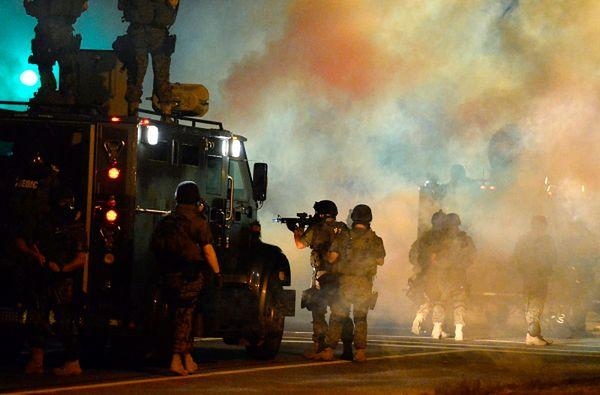 Gwardia Narodowa wycofuje się z Ferguson