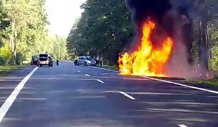 #dziejesiewmoto: samochód zapalił się podczas jazdy