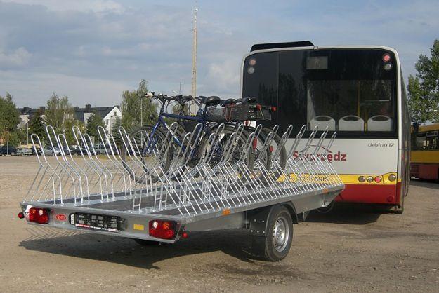 Po okolicach Poznania kursują autobusy z przyczepą na rowery