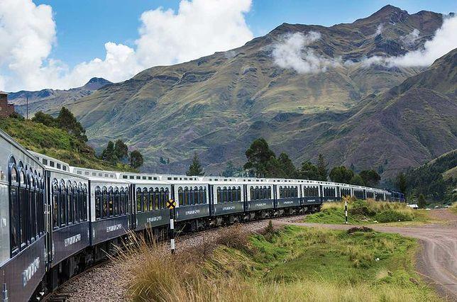 Podróż luksusowym pociągiem przez Peru. Można się w nim poczuć jak w hotelu
