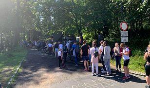 """Wakacje 2020. Karpacz oblegany przez turystów. """"Piękna wylęgarnia koronawirusa"""""""