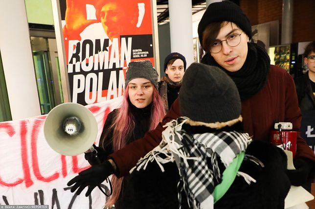 Mimo że Roman Polański odwołał spotkanie ze studentami, pod filmówką odbył się protest