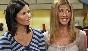 """Jennifer Aniston w modnych butach w serialu """"Przyjaciele"""""""