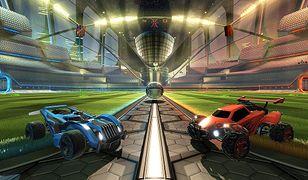 Rocket League małe samochodziki grające w piłkę