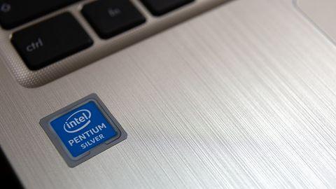 Intel i kolejny już błąd wykryty w procesorach. Trzeba łatać przeglądarki