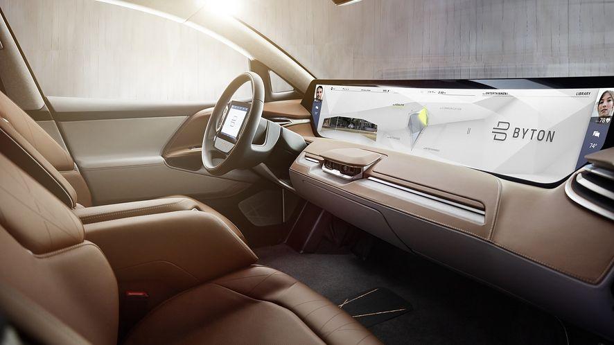 Już niedługo sieć 5G będzie wykorzystywana w nowoczesnych modelach samochodów. (fot. materiały prasowe)