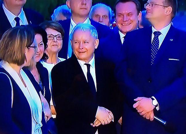 Jarosław Kaczyński i politycy PiS na miesięcznicy smoleńskiej