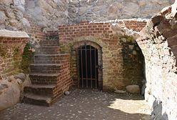 Zamek w Szczytnie obrabowany. Trzej mężczyźni przyłapani na kradzieży monet