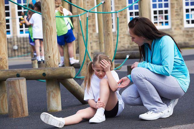 Złamania, zwichnięcia, skręcenia – to 60 proc. wypadków, do jakich dochodzi w polskich szkołach