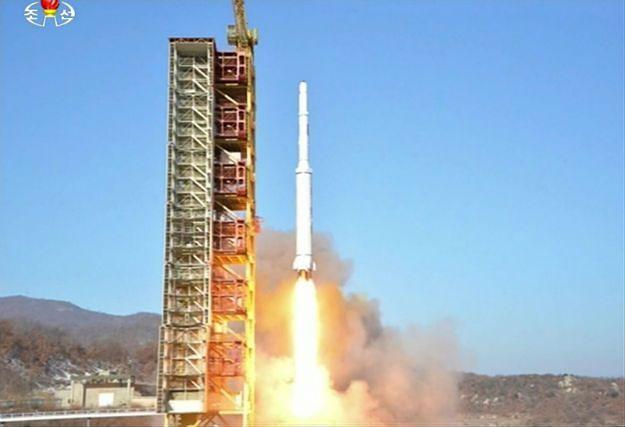 Świat potępia wystrzelenie rakiety dalekiego zasięgu przez Koreę Północną