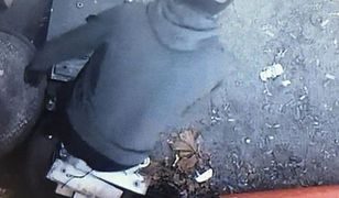 Kominiarki złodzieje zrobili z rękawów swetra