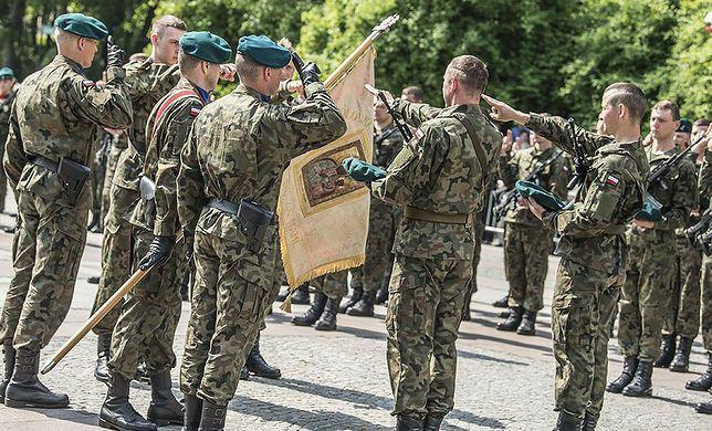 żołnierz żołnierze wojsko wojsko polskie
