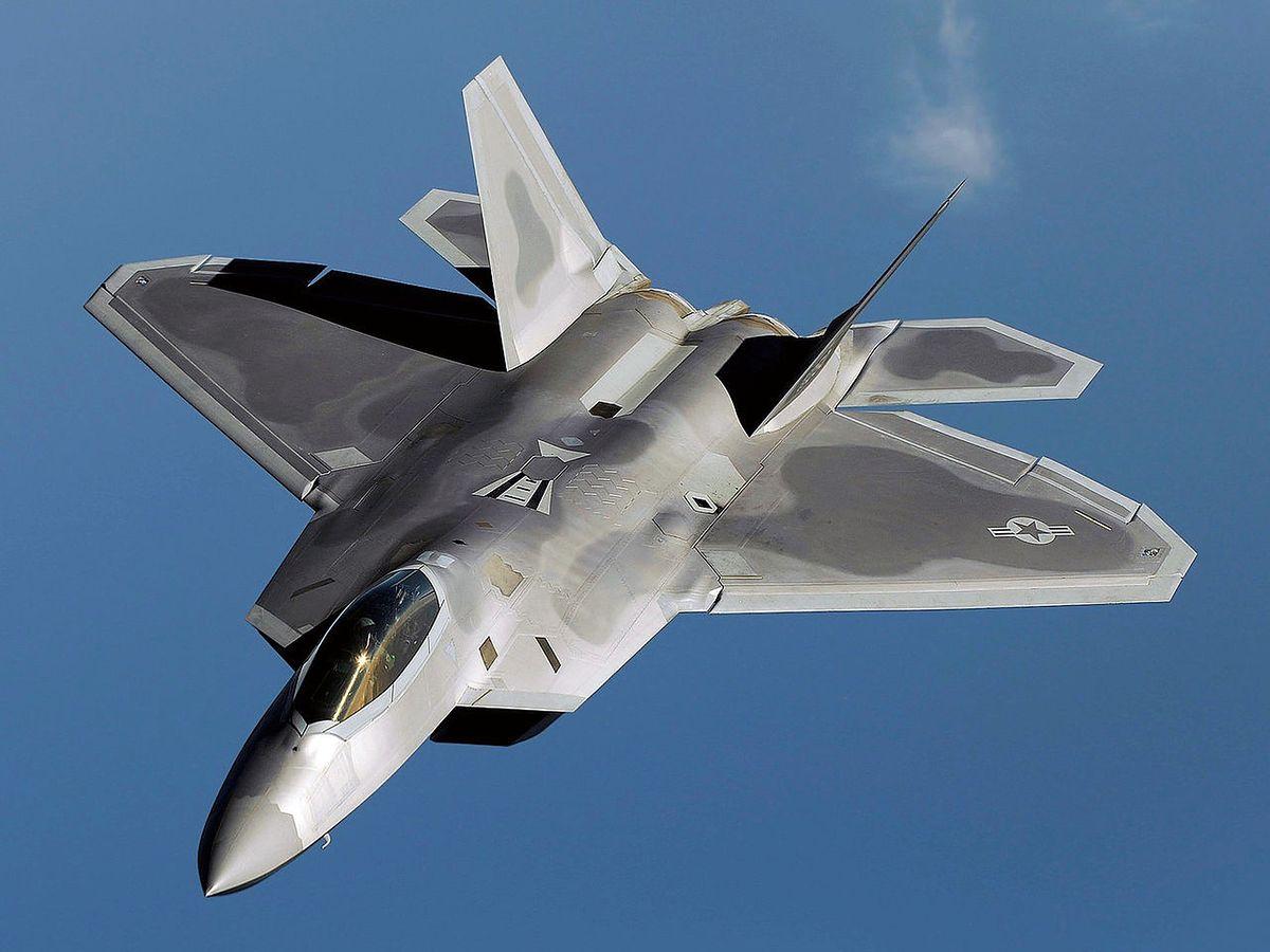 Nowe myśliwce mają przenosić więcej uzbrojenia niż F-22A Raptor