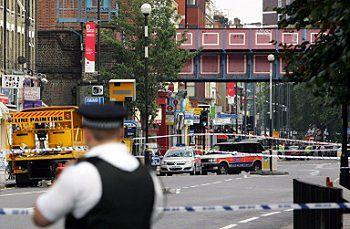 Wybuchy w londyńskim metrze i autobusie - jedna osoba ranna
