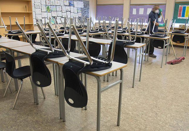 """Kiedy dzieci wrócą do szkoły? Pytania o zdalne nauczanie od 18 maja. """"Nowa porcja chaosu"""""""