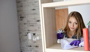 Ścieranie kurzu domowym sposobem powinno stać się częścią cotygodniowych porządków