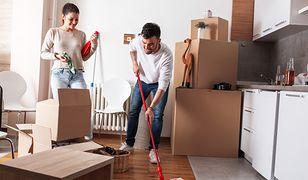 Tego, jak efektywnie sprzątać mieszkanie, można się nauczyć dzięki kilku domowym sposobom