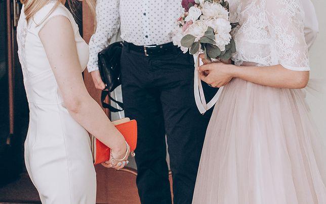 Strój na wesele nie może być przypadkowy. Panna młoda może mieć wymagania