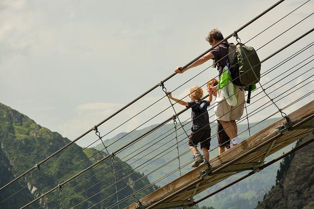 Ekstremalne mosty. Często trzeba sporo odwagi, aby po nich przejść
