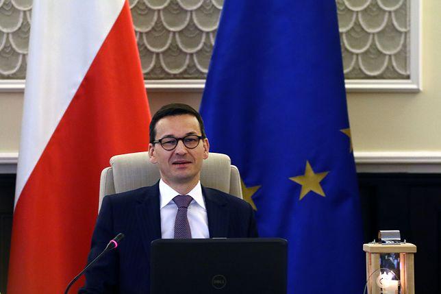 Dziennik podkreślił, że formalne ostrzeżenie wobec Polski, które pozbawiłoby ją prawa głosu, wydaje się mało prawdopodobne