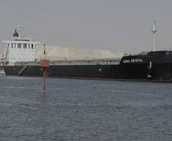 Kanał Sueski znów zablokowany. Utknął kolejny statek
