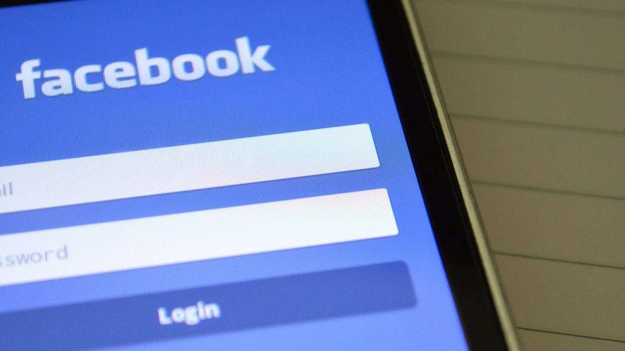 Facebook niegorszy niż Apple czy Google. Podsłuchuje użytkowników i udostępnia nagrania