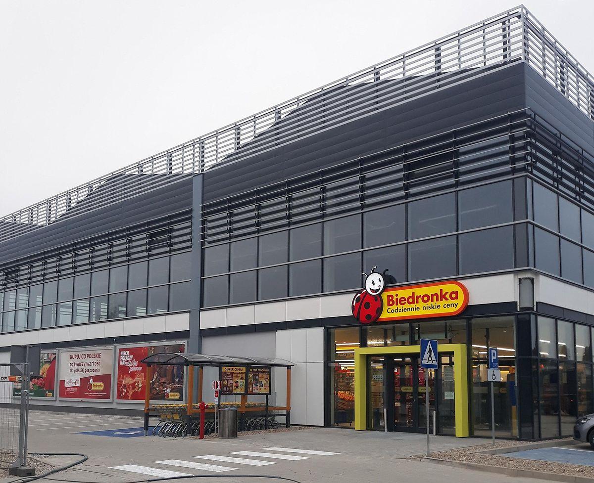 Niedziele handlowe 2021 Większość sklepów sieci Biedronka będzie otwarte w niedzielę.
