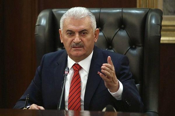 Premier Turcji: rząd nadal sprawuje władzę