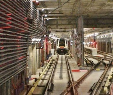 Wymienili szyny. Metro pojedzie szybciej