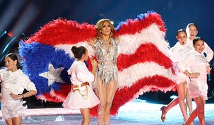 Super Bowl 2020. Jennifer Lopez z flagą Portoryko i USA