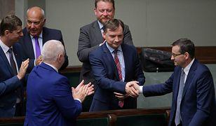 Sejm. Posłowie większości rządzącej odrzucili wnioski o wotum nieufności wobec 2 ministrów rządu PiS