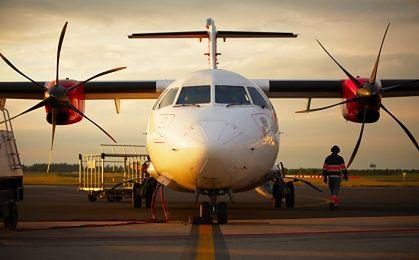 Polscy pasażerowie darują liniom lotniczym miliard