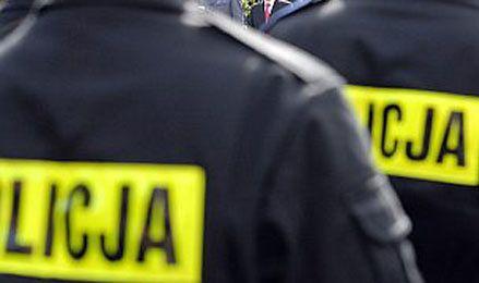 Zarzuty przyjmowania korzyści majątkowych dla policjantów