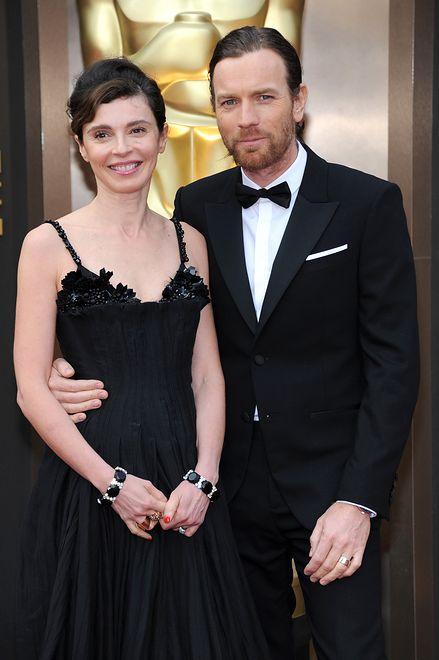Ewan McGregor zdradził żonę z młodszą. Teraz twierdzi, że płaci za duże alimenty