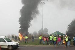 Paraliż komunikacyjny we Francji. Płonące barykady uwięziły polskich kierowców