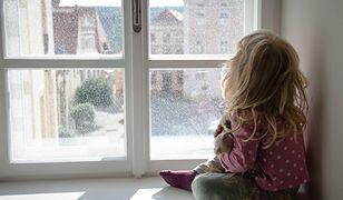 Sąd uznał, że babcia nie wychowa wnuczki. Pięciolatka trafi do domu dziecka lub rodziny zastępczej