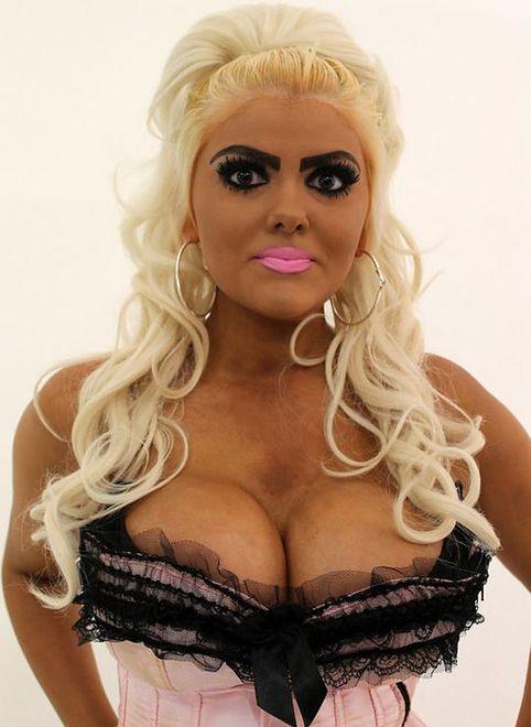 Z lalki Barbie w prawdziwą kobietę